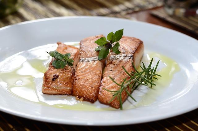 Ryby polskie w polskich restauracjach – co zjeść na urlopie?